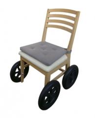 直排式脚踏轮椅